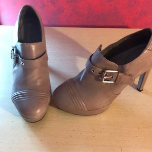Rockport heels! Beautiful condition